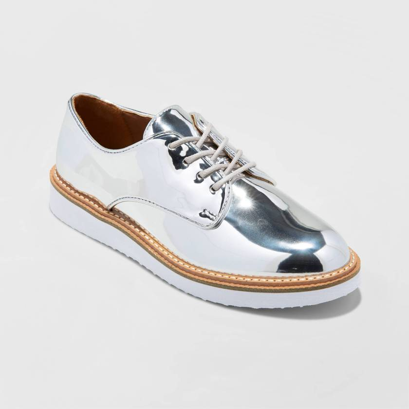 metallic oxford shoe